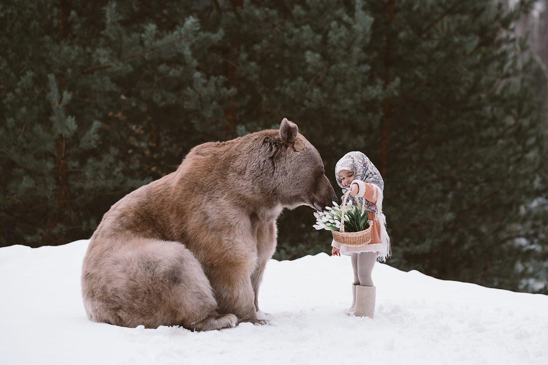 Полина и медведь Степан