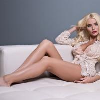 Блонда крашеная! :)