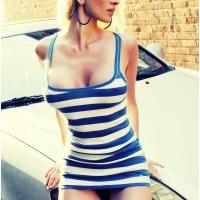 Блондинка в полосочку