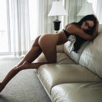 Очкарик и диван