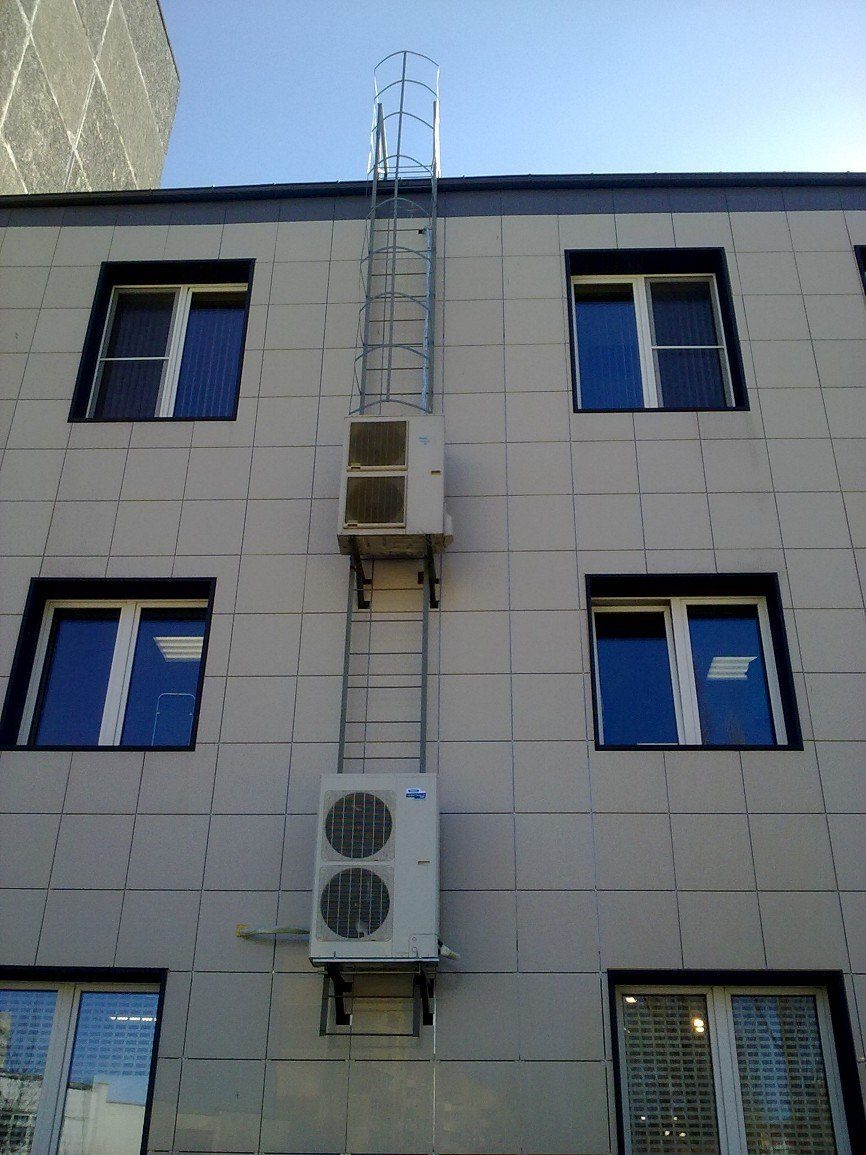 Зачем кондиционеры лезут на крышу?