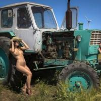 Сельские трактористки