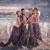 Четыре девицы