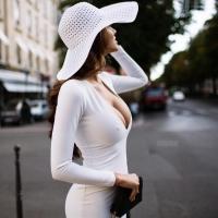 Прекрасное платье в обтяжку