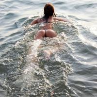 Куда поплыла???