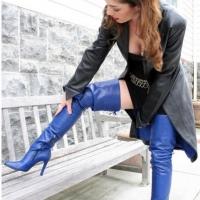 Синие сапожки