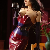 По бокалу вина?