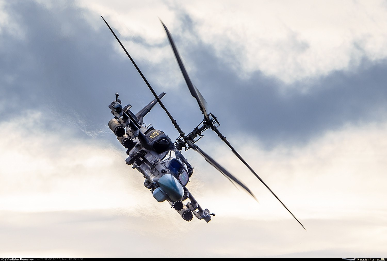 Боевой разведывательно-ударный вертолёт Ка-52 55-го отдельного Севастопольского ордена Кутузова II степени полка армейской авиации ВКС РФ