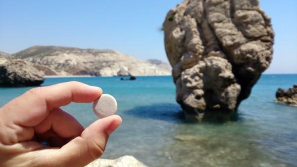 Каменная монетка с места рождения Афродиты