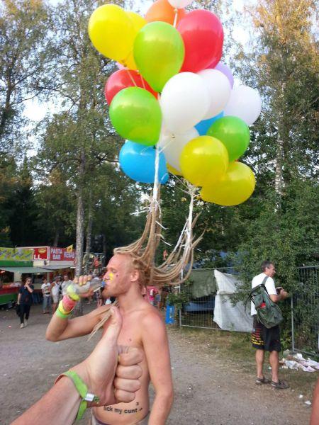 Причёска с шариками