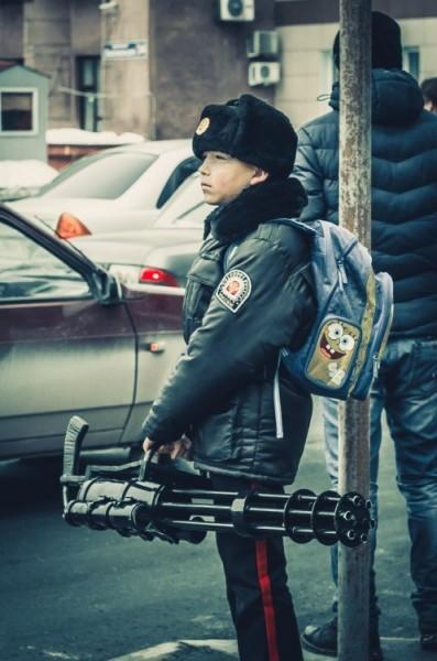 Школьник с пулемётом